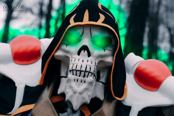 Ainz Ooal Gown Cosplay - by Naota